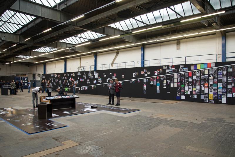Das PhotoBookMuseum im Kölner Carlswerk. Im Hintergrund: Photo Book Study zu Daido Moriyama