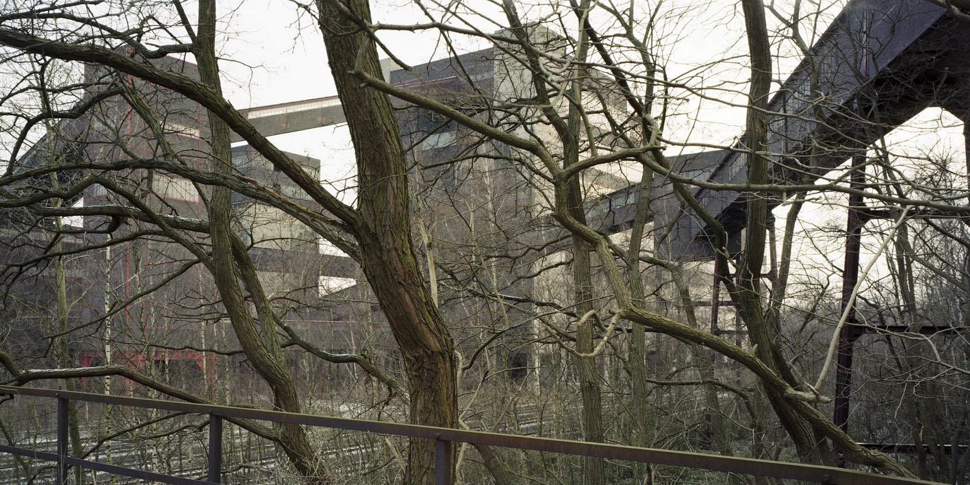 Joachim Schuhmacher. Essen-Katernberg, stillgelegte Zeche Zollverein XII (2000)