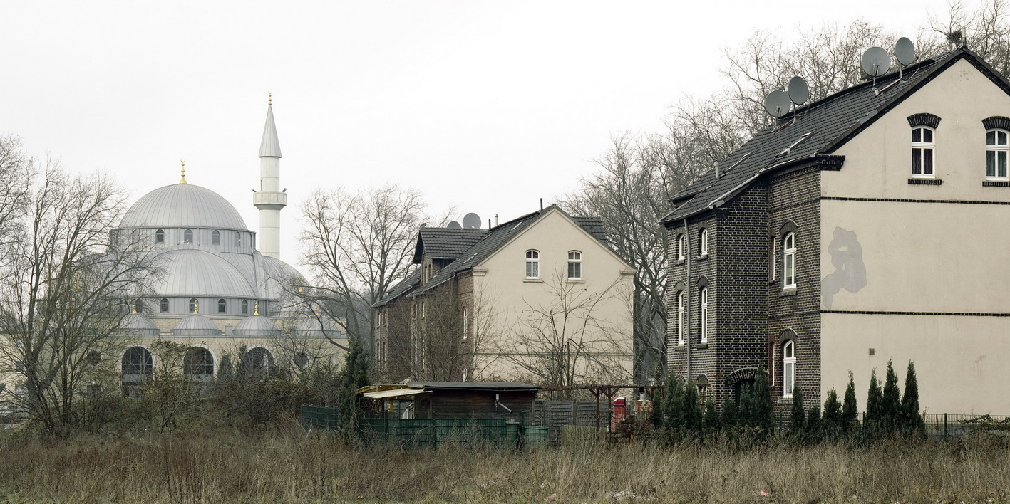 Joachim Schuhmacher. Duisburg-Marxloh, Elisenhof, türkische Moschee (2009)
