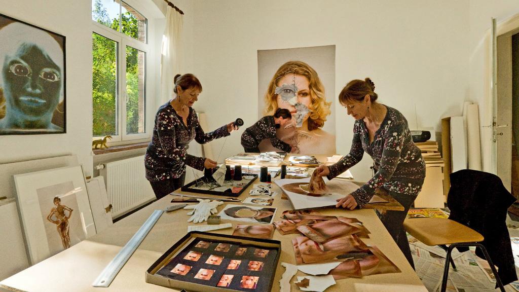 Annegret Soltau in ihrem Atelier