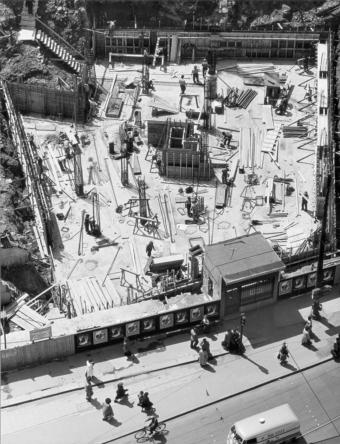 Peter Keetman, Baustelle Marienplatz, München 1954. © Stiftung F.C. Gundlach