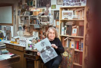 Sabine Weiss am 5. November 2016 in ihrem Atelier in Paris. Foto: Schohaja Staffler