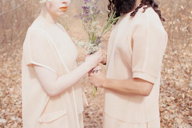 """""""Menschen, die behaupten sich zu lieben #32/4"""" (Haare, Make-Up und Blumen Arrangement Sarah Schwickart, Mode Vektor, Berlin)"""